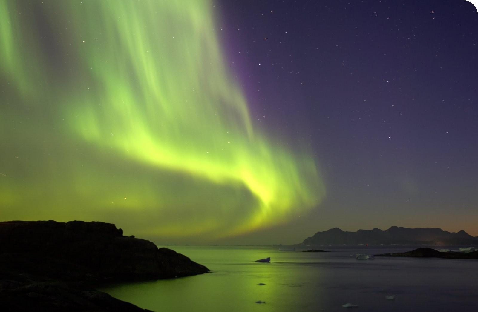 northern-lights-over-the-fjords.jpg