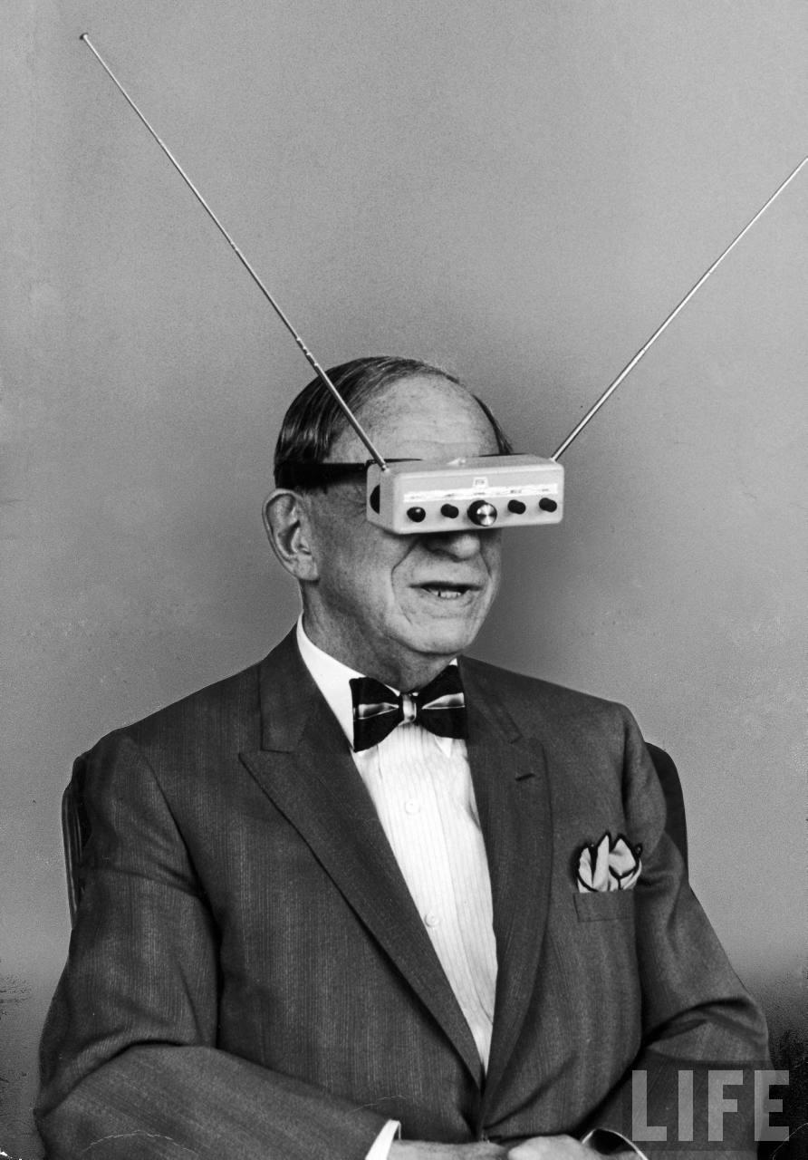 inventor_hugo_gernsback_wearing_television_glasses_life_1963.jpg