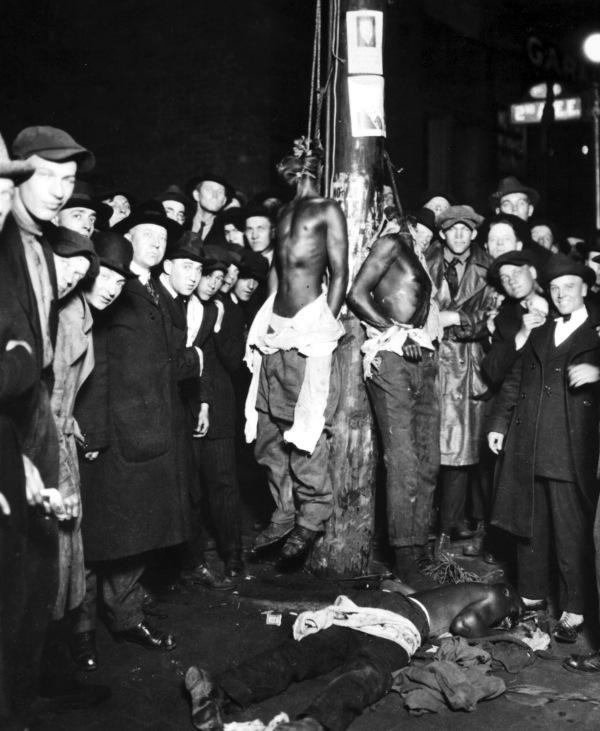 Duluth-lynching-postcard2